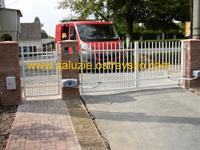 Otočná brána Šenov