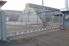 Průmyslová brána samonosná