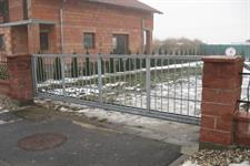 Samonosná posuvná ocelová  brána, Litovel