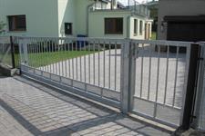 Samonosná posuvná ocelová brána, Nový Malín
