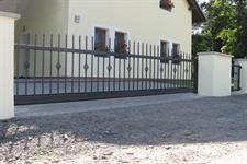 Samonosná posuvná brána Šumpersko