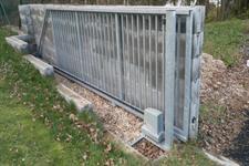 Samonosná posuvná ocelová brána Praha