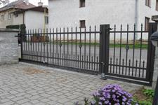 Samonosná posuvná kovaná brána Dubicko